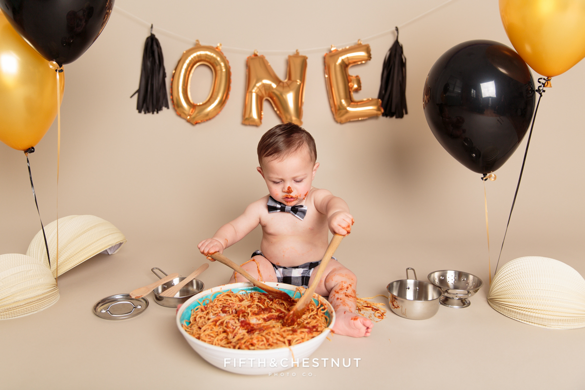 one year spaghetti smash toddler portraits