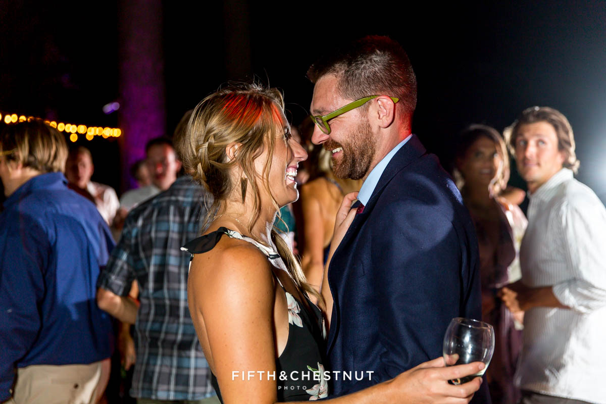 guests dance together at a © 2017 Fifth and Chestnut Photo Co. | fifthandchestnut.com