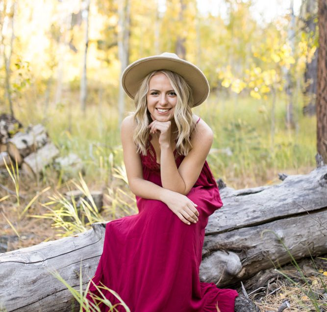 Reno Senior Photo Session Tips | A FREE Guide for Wardrobe, Location & More!