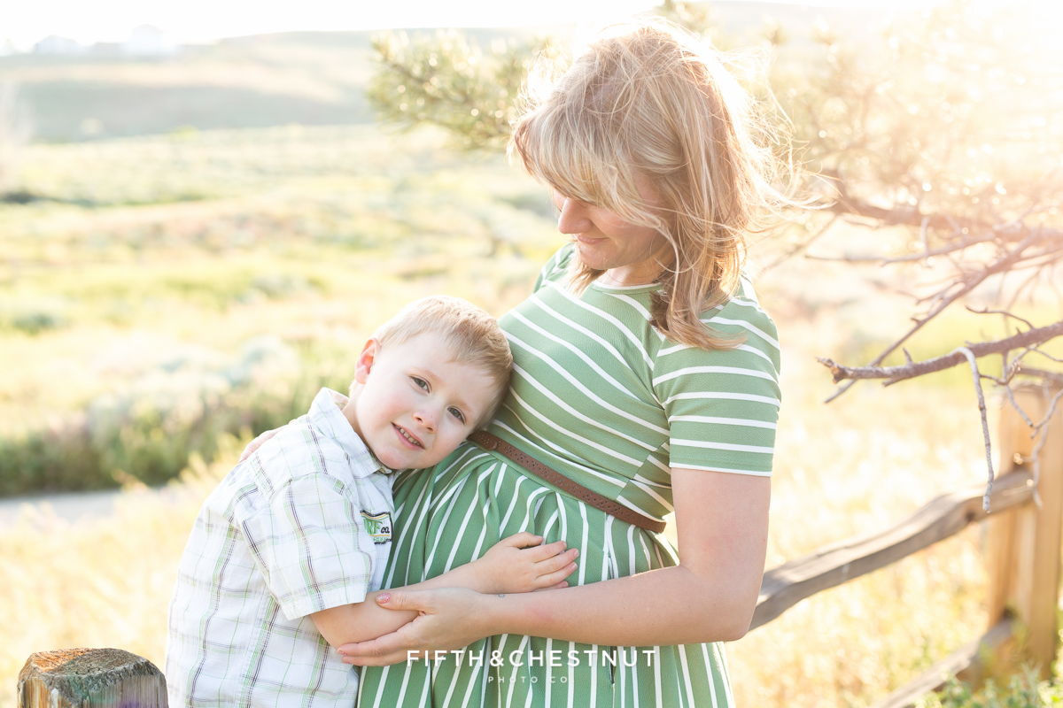 Brotherly love by reno maternity photographer